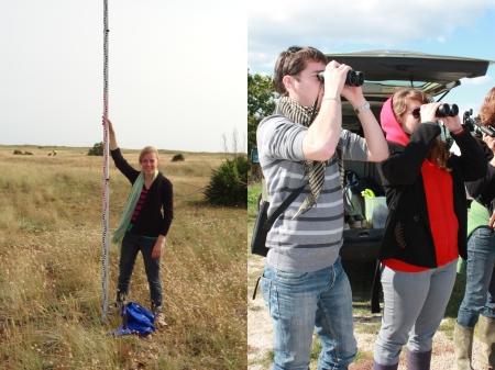 A droite : Réalisation de profils topographiques lors d'une sortie à Noirmoutier. A gauche : Observation d'oiseaux lors d'un séjour dans le Parc Naturel Régional de Birère